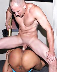 Creme Pole